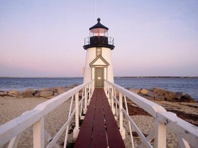 https://imgc.artprintimages.com/img/print/brant-point-lighthouse-nantucket-ma_u-l-pxz5nv0.jpg?p=0