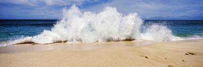 Breaking Waves on the Beach, Oahu, Hawaii, USA--Photographic Print