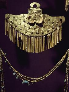 Breastplate and Gold Necklace with Nose Rings