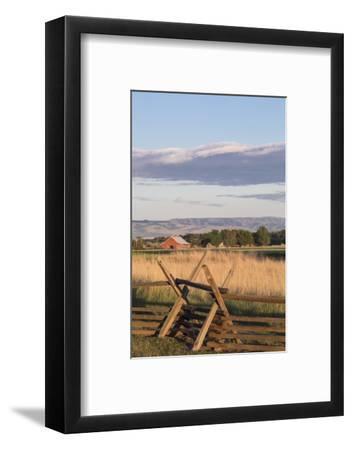 Washington, Walla Walla Co, Whitman Mission Nhs, Oregon Trail Fence