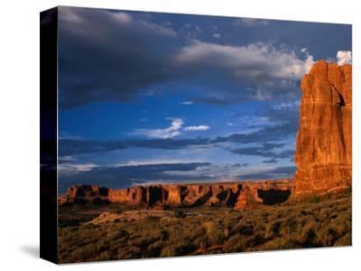"""Entrada"" Sandstone Cliffs and Desert Landscape, Arches National Park, USA"