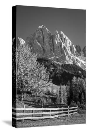 Autumn at Geisler Spitzen, Dolomites, Trentino-Alto-Adige, Italy