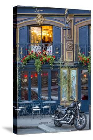 Historic La Perouse Restaurant in Saint Germain Des Pres, Paris France