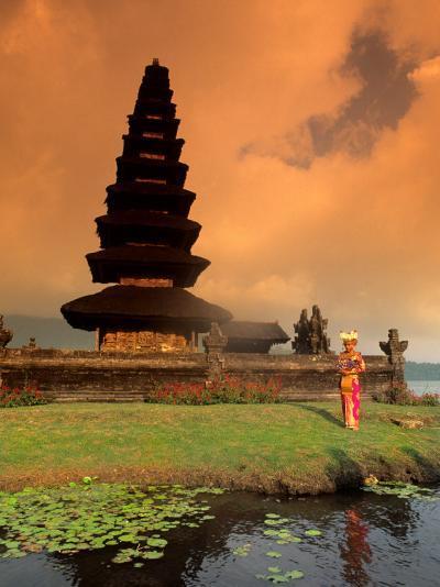 Bride in Traditional Dress in Ulur Danu Temple, Lake Bratan, Bali, Indonesia-Bill Bachmann-Photographic Print