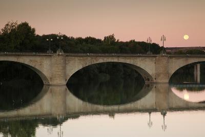 Bridge across a river, Puente De Piedra, River Ebro, Logrono, La Rioja, Spain--Photographic Print