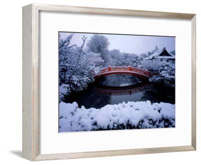 Bridge in Sinsen-En Garden in Snow, Kyoto, Japan