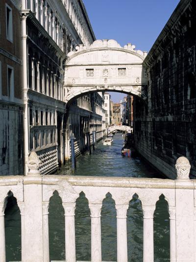 Bridge of Sighs Crossing Rio Del Palazzo, Venice, Veneto, Italy-Sergio Pitamitz-Photographic Print
