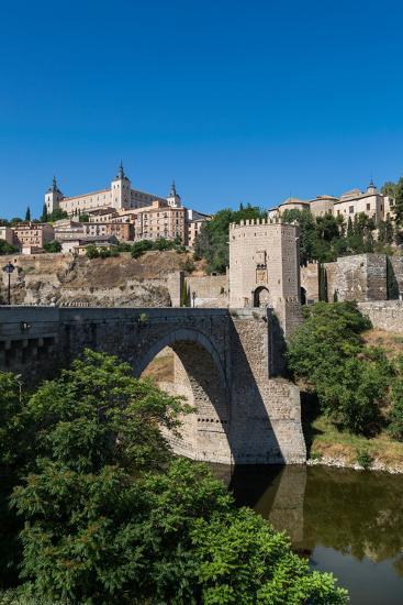 Bridge over the River Tagus with the Alcazar of Toledo Above, Toledo, Castilla La Mancha, Spain-Martin Child-Photographic Print