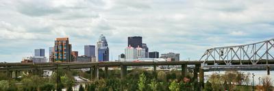 https://imgc.artprintimages.com/img/print/bridge-with-skyline-in-the-background-john-f-kennedy-memorial-bridge-louisville-kentucky-usa_u-l-psn8w00.jpg?p=0
