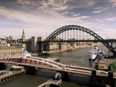 https://imgc.artprintimages.com/img/print/bridges-across-the-river-tyne-newcastle-upon-tyne-tyne-and-wear-england-united-kingdom_u-l-p1cxxp0.jpg?p=0