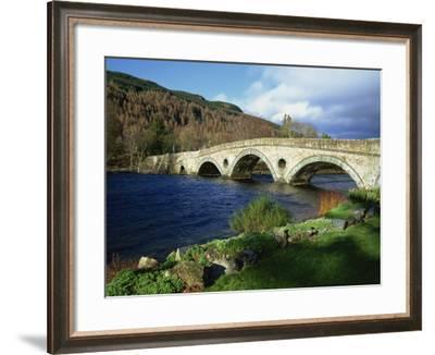Bridges, Kenmore, Loch Tay, Scotland, United Kingdom, Europe-Ethel Davies-Framed Photographic Print