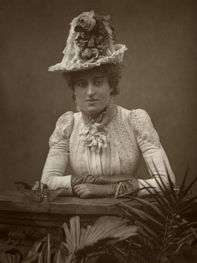 British Actress Cissy Grahame in the Pickpocket, 1886- Barraud-Photographic Print