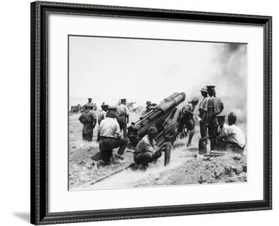 British Artillery at Gallipoli WWI-Robert Hunt-Framed Photographic Print