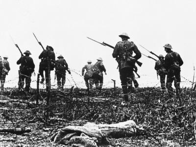 https://imgc.artprintimages.com/img/print/british-troops-advance-through-barbed-wire-across-no-mans-land_u-l-q108d3e0.jpg?p=0