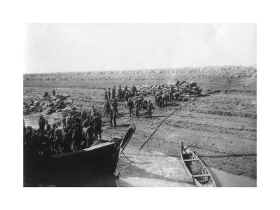 British Troops Unloading Dates on the Shore of the Tigris River, 1918--Giclee Print
