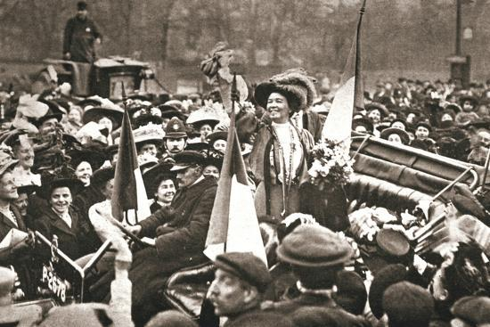 Britsh suffragette Emmeline Pethick-Lawrence's release from prison, 17 April 1909-Unknown-Photographic Print