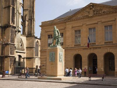 https://imgc.artprintimages.com/img/print/bronze-statue-of-abraham-de-fabert-d-esternay_u-l-p90wyr0.jpg?p=0