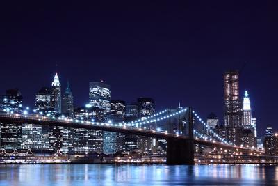 https://imgc.artprintimages.com/img/print/brooklyn-bridge-and-manhattan-skyline-at-night-new-york-city_u-l-q103e920.jpg?p=0
