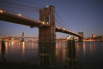 https://imgc.artprintimages.com/img/print/brooklyn-bridge-twilight_u-l-q1ahdyp0.jpg?p=0