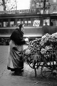 Paris, Saleswoman of Violets by Brothers Seeberger