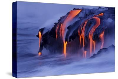 Viscous Lava from Kilauea Continues to Pour into the Ocean at Kalapana