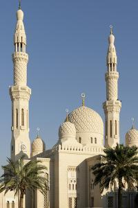 Jumeirah Mosque, Built in the Medieval Fatimid Tradition, Dubai, United Arab Emirates, Middle East by Bruno Barbier