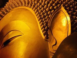 Temple of Reclining Buddha by Bruno Ehrs