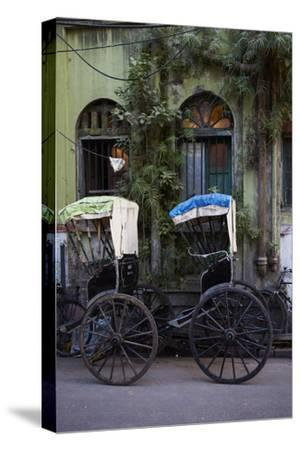 Rickshaw on the Street, Kolkata (Calcutta), West Bengal, India, Asia
