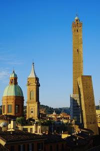 Towers of Torre Degli Asinelli and Torre Garisenda, Bologna, Emilia Romagna, Italy, Europe by Bruno Morandi