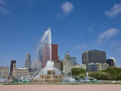 Buckingham Fountain in Grant Park with Skyline Beyond, Chicago, Illinois, USA-Amanda Hall-Photographic Print