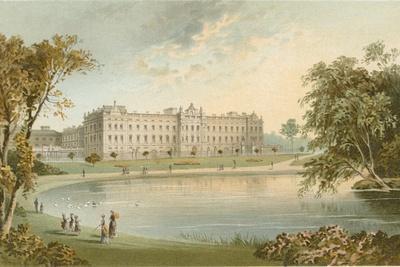 https://imgc.artprintimages.com/img/print/buckingham-palace-from-st-james-park_u-l-pjp0a40.jpg?p=0