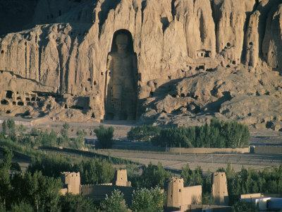 https://imgc.artprintimages.com/img/print/buddha-at-bamiyan-unesco-world-heritage-site-since-destroyed-by-the-taliban-bamiyan-afghanistan_u-l-p1qqg60.jpg?p=0