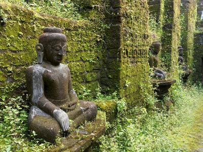 Buddha statues at Koe Thaung temple built by King Min Taik Kha, Mrauk U, Rakhine State, Myanmar--Photographic Print