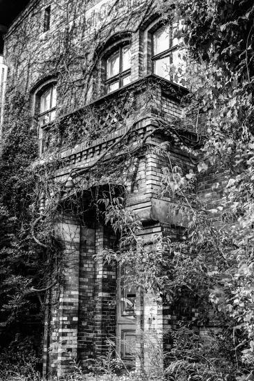 Building, Exit, Outside View-Jule Leibnitz-Photographic Print