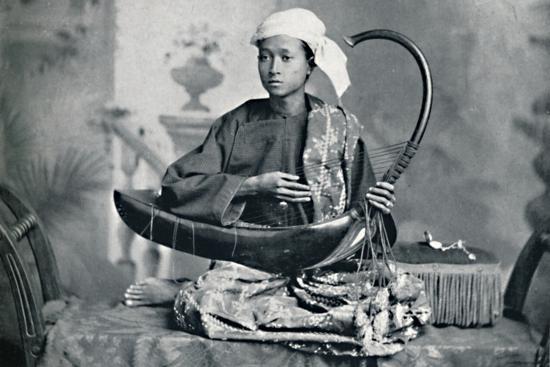 Burmese harp player, 1902-Unknown-Photographic Print