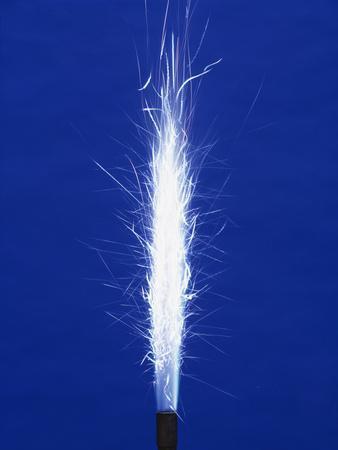 https://imgc.artprintimages.com/img/print/burning-magnesium_u-l-pzh4px0.jpg?p=0