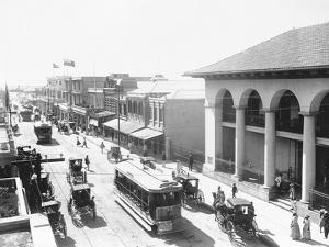 Busy Street in Kingston