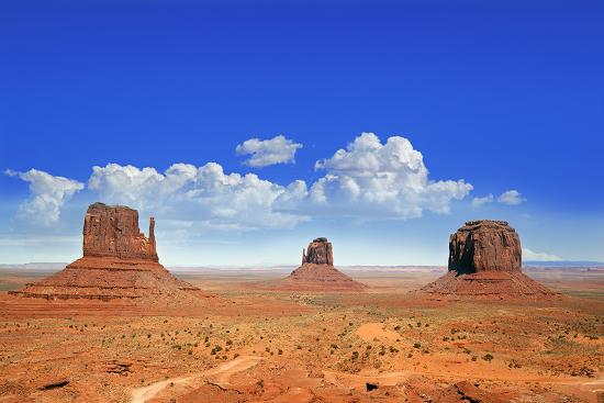 buttes-of-monument-valley-utah