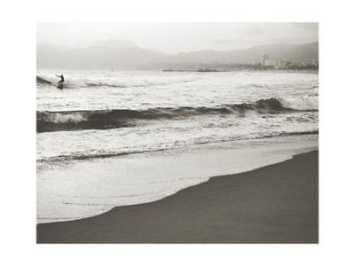 https://imgc.artprintimages.com/img/print/bw-surfer-no-1_u-l-q1guc0o0.jpg?p=0