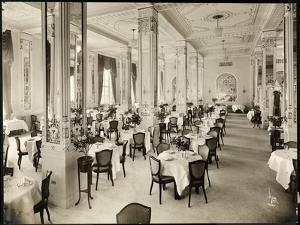 A Dining Room at the Robert Treat Hotel, Newark, New Jersey, 1916 by Byron Company