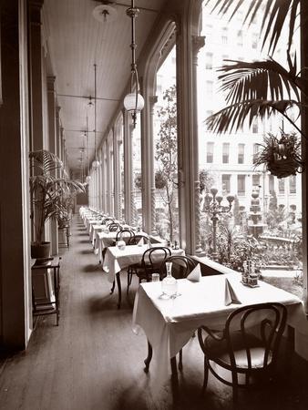 The Veranda at the Park Avenue Hotel, 1901 or 1902