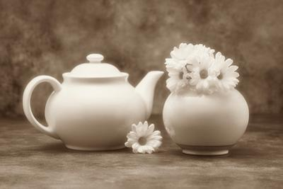 Teapot and Daisies II by C^ McNemar