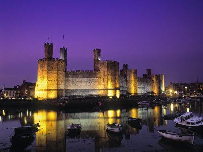 https://imgc.artprintimages.com/img/print/caernarfon-castle-gwynedd-wales_u-l-p36enq0.jpg?p=0