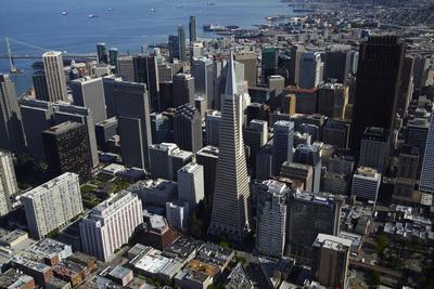 https://imgc.artprintimages.com/img/print/california-san-francisco-transamerica-pyramid-skyscraper-and-skyline_u-l-pyplap0.jpg?p=0