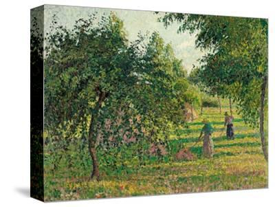 Apple Trees and Hay Makers at Eragny (Pommiers et Faneuses, Eragny). 1895