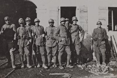 https://imgc.artprintimages.com/img/print/campagna-di-guerra-1915-1916-1917-1918-bersaglieres-to-the-mill-sega_u-l-q10tpfd0.jpg?p=0