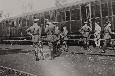Campagna Di Guerra 1915-1916-1917-1918: Departure of the British Battalion from Cervignano--Photographic Print