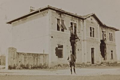 Campagna Di Guerra 1915-1916-1917-1918: Soldier in Front of the Town Hall of Staranzano--Photographic Print