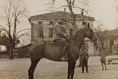 Campagna Di Guerra 1915-1916-1917-1918: Soldier on Horseback--Photographic Print