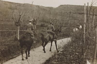 Campagna Di Guerra 1915-1916-1917-1918: Soldiers on Horseback--Photographic Print